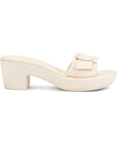 Białe klapki z klamrą Ancient Greek Sandals