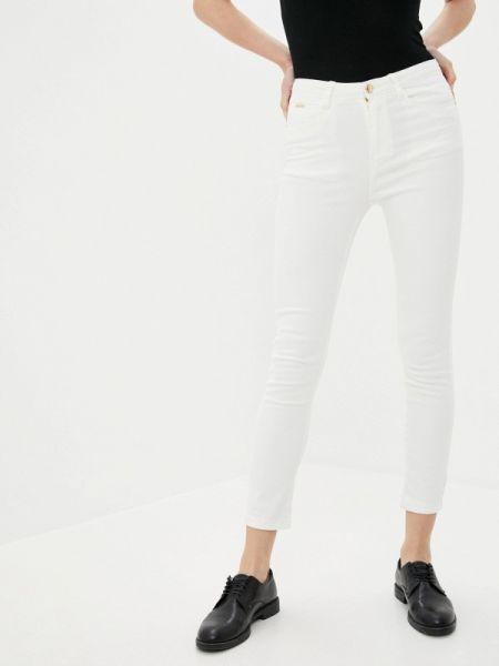 Белые джинсы Vilatte