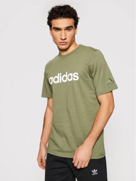 Zielony t-shirt z haftem Adidas