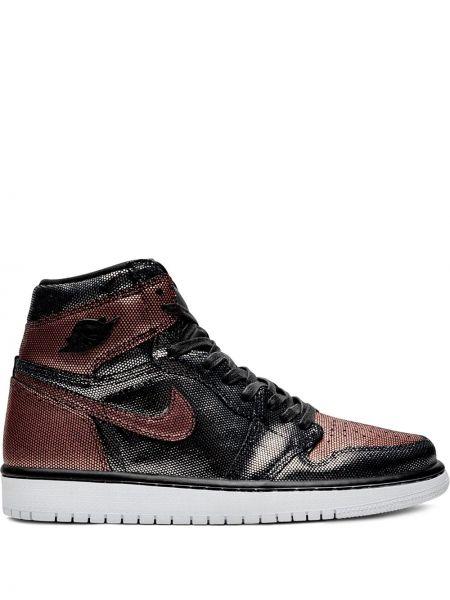 Кожаные кроссовки черные Jordan