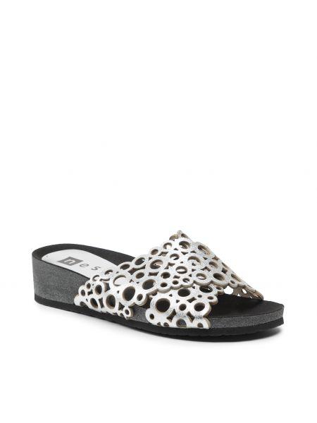 Sandały srebrne Nessi