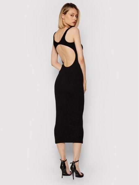 Czarna sukienka casual Remain