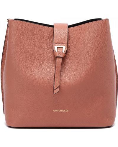 Розовая кожаная сумка Coccinelle