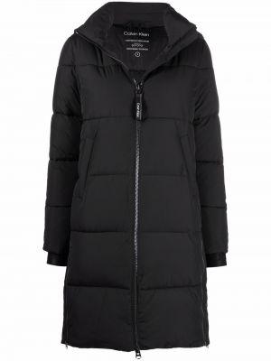Черное пуховое пальто Calvin Klein