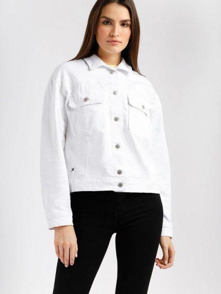 Расклешенная белая свободная джинсовая куртка Finn Flare