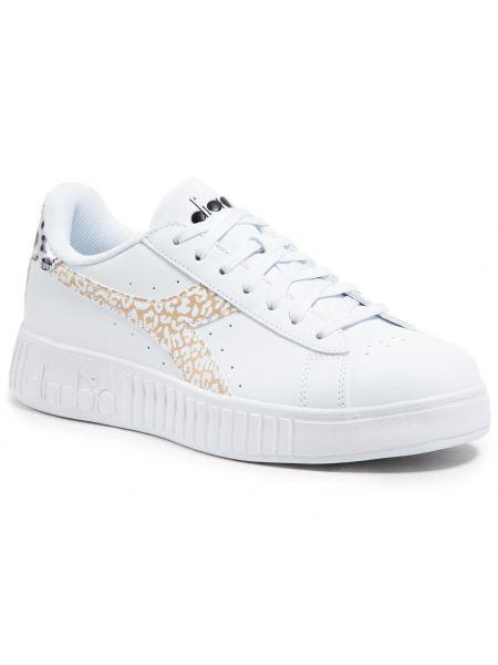 Sneakersy - białe Diadora