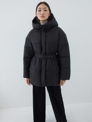 Черная зимняя куртка Zarina
