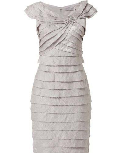 Różowa sukienka krótki rękaw Christian Berg Cocktail