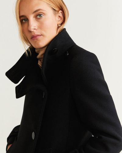 Прямая черная куртка с капюшоном с жемчугом на пуговицах Mango