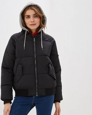Зимняя куртка утепленная черная Colin's