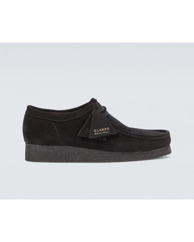 Ажурные черные замшевые туфли Clarks