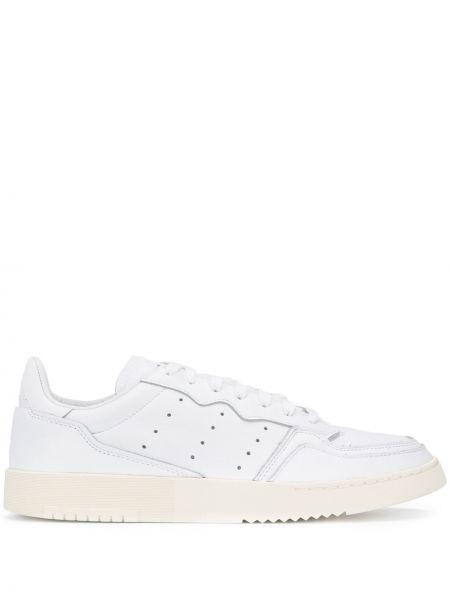 Кожаные кроссовки с перфорацией винтажные Adidas