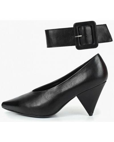 Туфли на каблуке черные кожаные Martin Pescatore