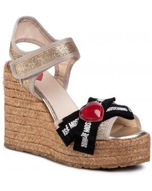 Sandały skórzany piasek Love Moschino