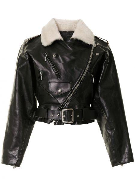 Черная кожаная короткая куртка байкерская R13