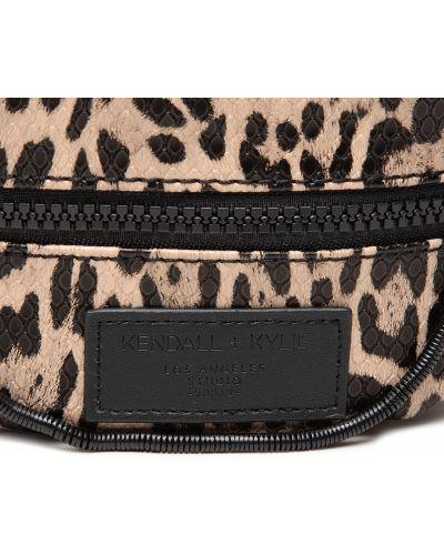 Поясная сумка с поясом - черная Kendall + Kylie