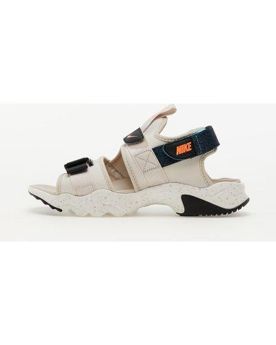 Brązowe sandały Nike