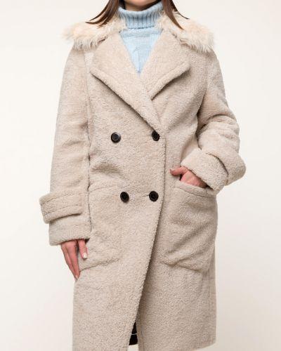 Бежевое пальто с воротником на пуговицах Aliance Fur
