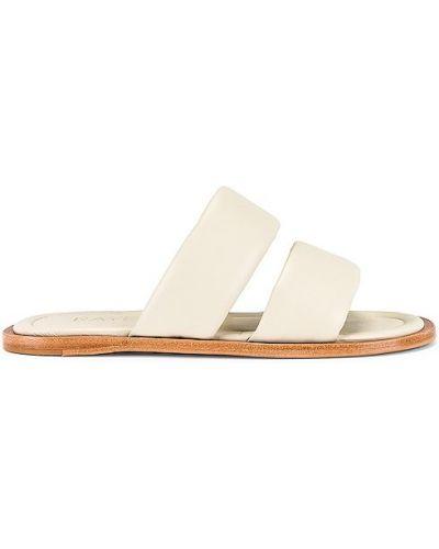 Białe sandały na obcasie skorzane Raye