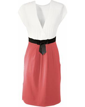 Облегающее платье с запахом с декольте Bonprix