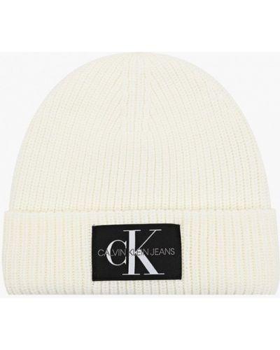 Джинсовая шапка - белая Calvin Klein Jeans