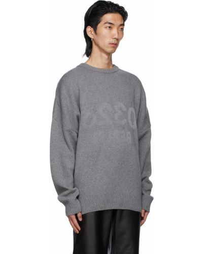 Długi sweter wełniany z długimi rękawami 032c