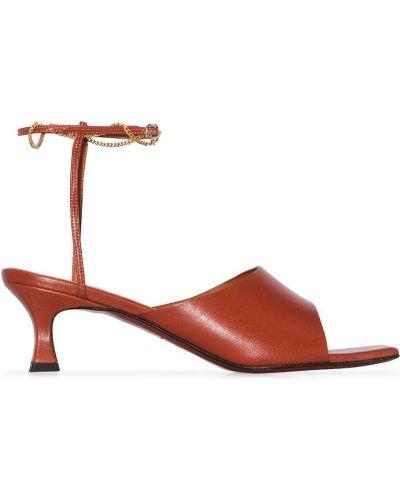 Оранжевые открытые босоножки на каблуке с пряжкой Manu Atelier