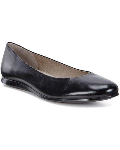 Балетки черные на каблуке Ecco