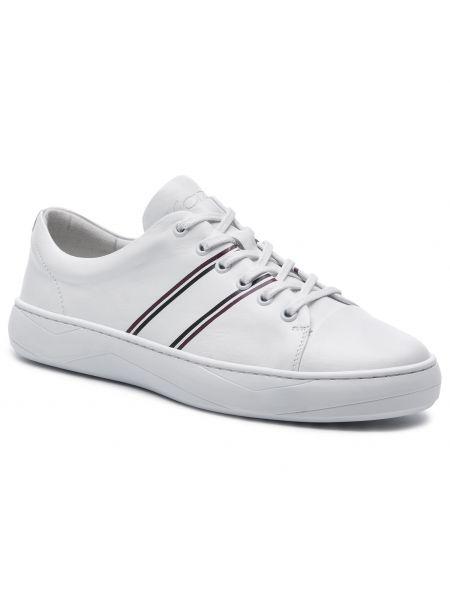 Białe sneakersy Kazar