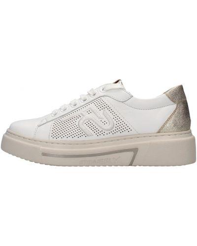 Białe sneakersy Stonefly