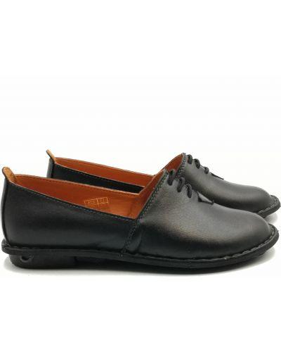 Кожаные туфли - черные Trio Trend
