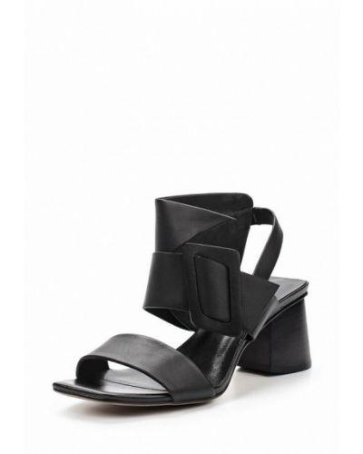 Черные босоножки на каблуке Covani