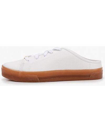 Белые кожаные сабо Moleca