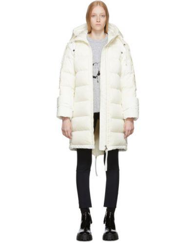 Długi płaszcz z kapturem pikowana Moncler Genius