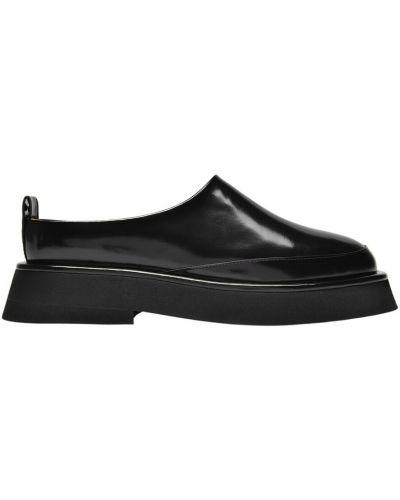 Czarne loafers Wandler