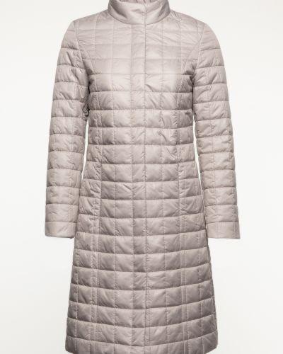 Утепленное бежевое пальто с воротником каляев