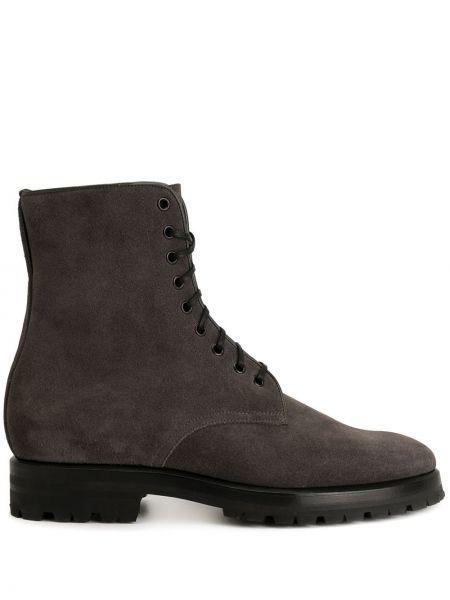 Кожаные серые кожаные ботинки на шнуровке на каблуке Namacheko
