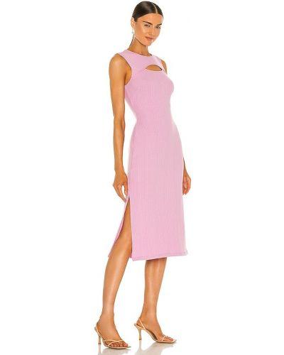 Prążkowana różowa sukienka Bcbgeneration
