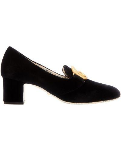 Туфли на каблуке бархатные с пряжкой Gucci