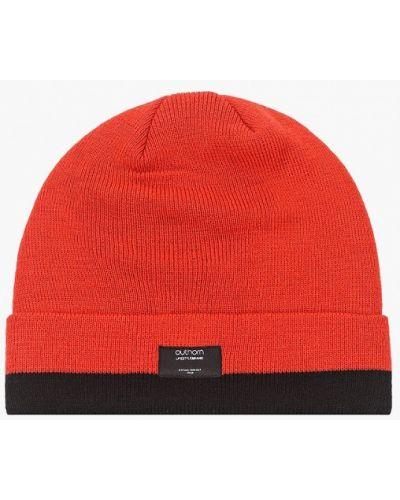 Красная шапка Outhorn