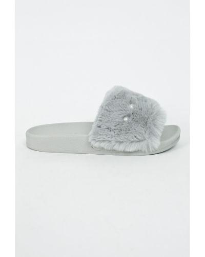 Серые сандалии текстильные Tamaris