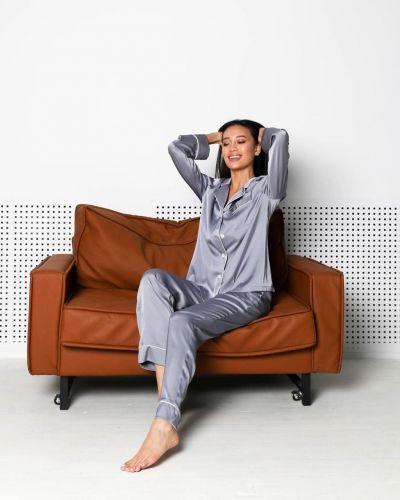 Шелковая пижама с брюками с длинными рукавами на пуговицах Queen Collection
