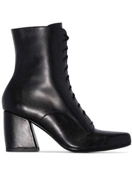Черные ботинки на каблуке на шнуровке Roker
