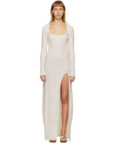 Biały długo sukienka z długimi rękawami z mankietami z kołnierzem Jacquemus