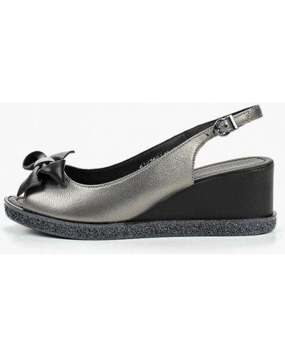 Босоножки на каблуке Shoiberg
