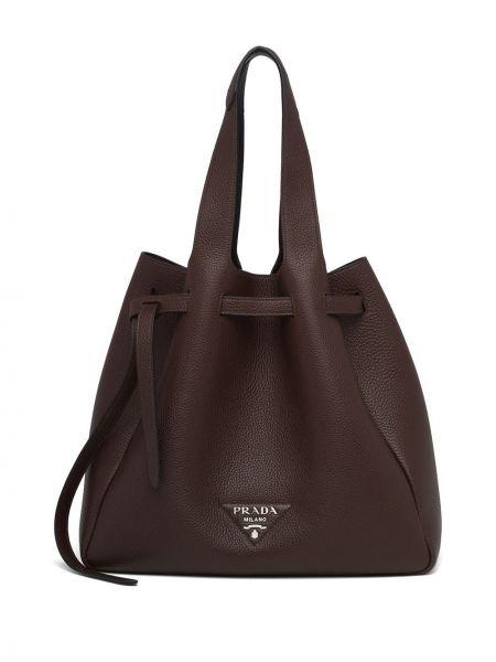 Brązowa torba na ramię skórzana Prada