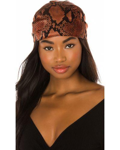 Różowy włókienniczy turban przeoczenie Eugenia Kim