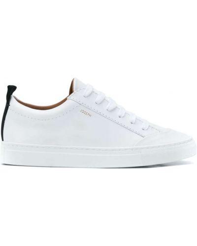 Białe sneakersy skorzane na obcasie Joseph