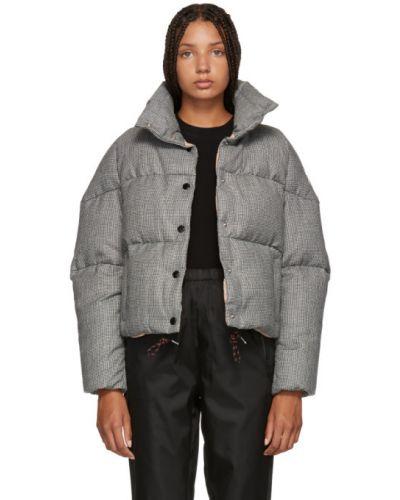 Длинная куртка черная стеганая Moncler