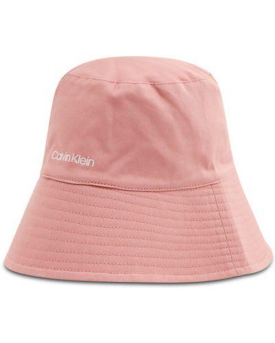 Różowy kapelusz Calvin Klein